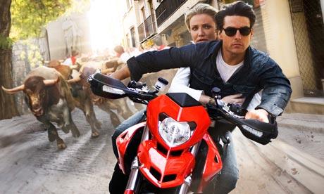 Tom Cruise y Cameron Diaz en noche y día (Knight and day, 2010, james Mangold)