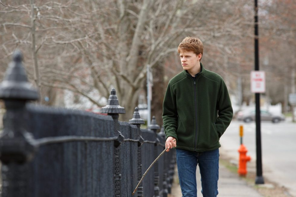Lucas Hedges es Patrick en Manchester frente al mar (Manchester by the sea, Kenneth Lonergan, 2016, EE.UU.)