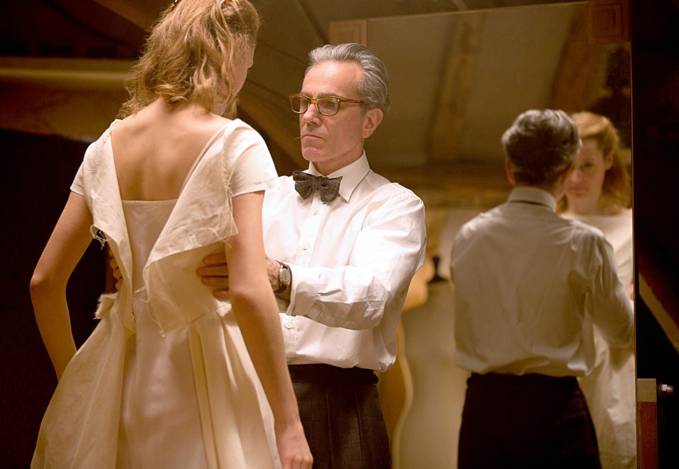 Vicky Krieps y Daniel Day-Lewis son Alma y Reynolds Woodstock en El hilo invisible (Phantom thread, Paul Thomas Anderson, 2018, EE.UU.)